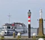 De Holland in Volendam statue of Mary