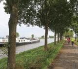 Sarah varend door Rijnkanaal