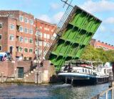 Gandalf door ophaalbrug Amsterdam