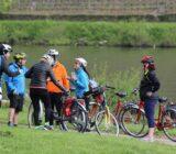 fietsers langs de Rijn