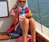 Elizabeth gast aan boord