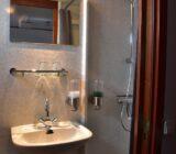 Flora cabin twin bathroom