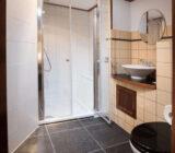 Leafde fan Fryslân junior suite badkamer