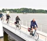 Reisleider en groep in Dordrecht