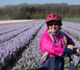 fietser tulpenveld lachend