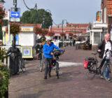 Fietsers in Volendam